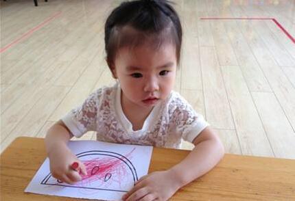 幼儿园别提前消耗孩子脑力
