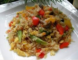 儿童食谱营养花样饭:电锅蔬菜蛋炒饭