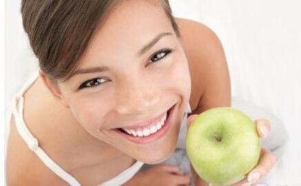 孕妇每天吃个苹果提高宝宝记忆力