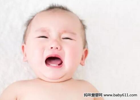 别瞎抠宝宝的乳痂 后果很严重