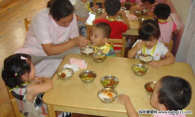 学龄儿童饮食讲究多 你家娃吃对了吗