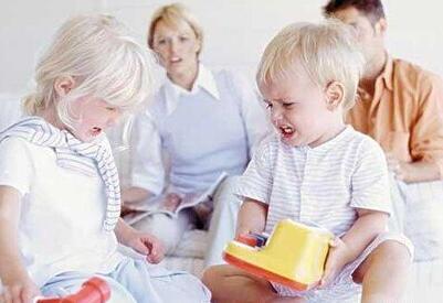 如何教会幼儿与同伴交往?