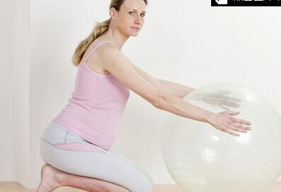 孕妇练习瑜伽有助顺产