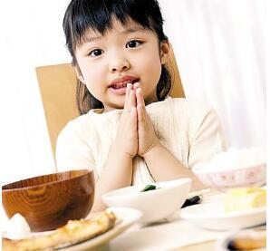 哪些食物婴幼儿不宜过早吃