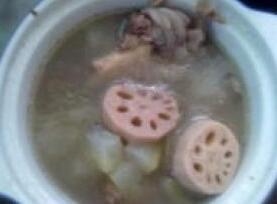 冬瓜藕骨汤