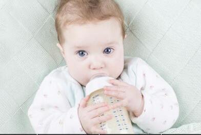 宝宝吐奶怎么办?不妨试试这些小妙招