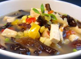 番茄木耳豆腐汤