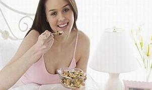 哪些食物可以缓解产后便秘