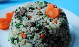 菠菜猪肝炒饭