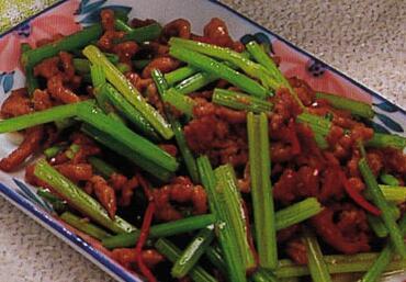孕期不适食谱:芹菜炒肉丝