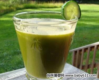 解暑降火类:菠萝芹菜汁