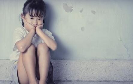3个典型孤独症的社交表现