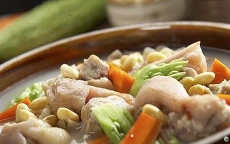豆腐香菇炖猪蹄