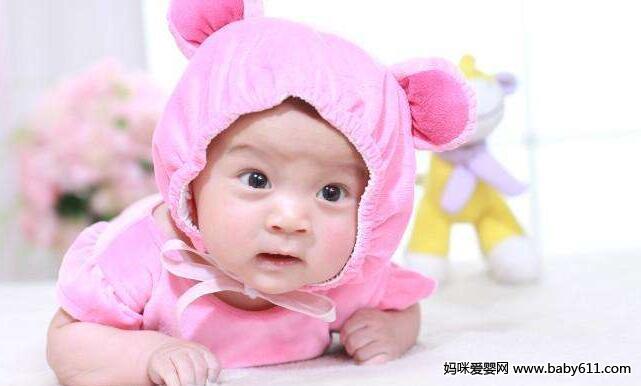当你呵斥宝宝时,宝宝会委屈地撇起小嘴,甚至大哭.