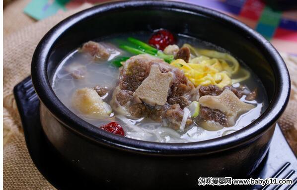 牛尾菜谱汤类:韩式猪肉汤鲜人参与儿童怎么做图片