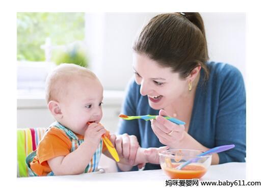 吃饭前把菜谱拿给孩子,像餐厅一样让孩子来进行选择.