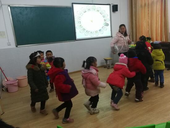 幼儿园大班音乐游戏《Hurry   Hurry》
