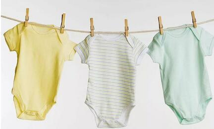 分娩前需要给新生儿准备的衣物