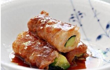 酱烧小黄瓜猪肉卷