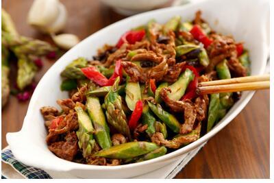 芦笋炒牛肉