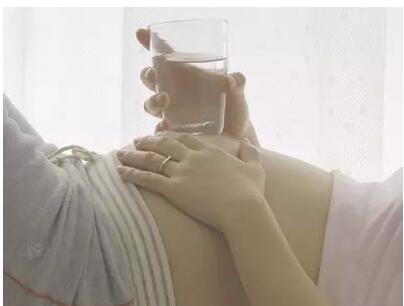孕妇怀孕期间久坐有损胎儿健康
