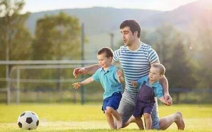 3岁前开发孩子运动潜能
