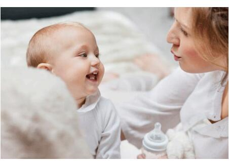 5个减少宝宝吐奶的方法