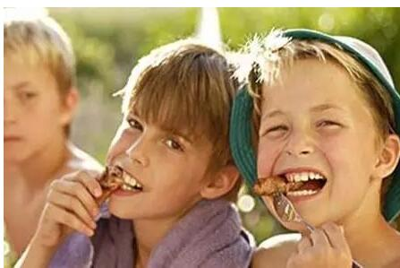 学龄前儿童的营养图片