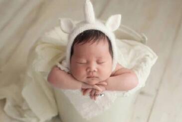 新生宝宝的大便次数