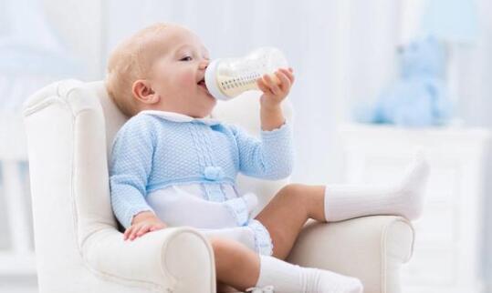 如何给孩子正确喂奶粉?这些禁忌千万别犯