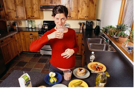 孕妇喝奶粉有八大好处!
