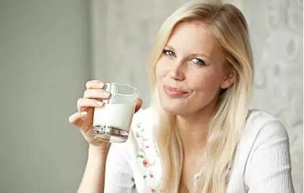 准妈妈如何正确选择孕妇奶粉呢