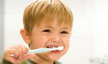 宝宝多大开始刷牙?如何正确刷牙?