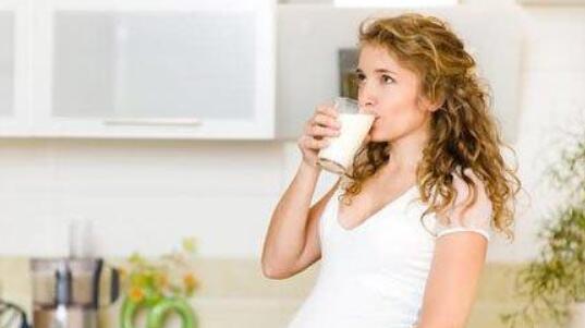 怀孕期间喝孕妇奶粉有什么作用 一定要喝吗
