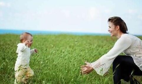 宝宝多大开始学走路?要做哪些准备