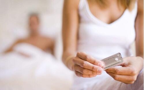 """避孕药吃多了 女人体质会很""""受伤"""""""