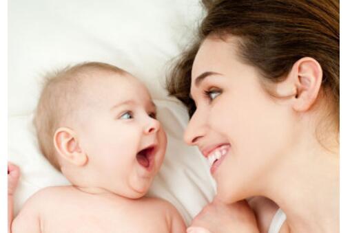 宝宝吐奶和哭有关系吗?