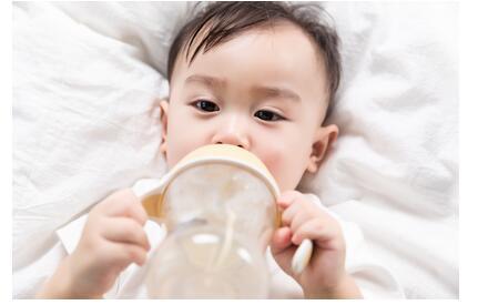 断奶后宝宝不吃奶粉的原因