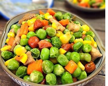五彩炒豌豆