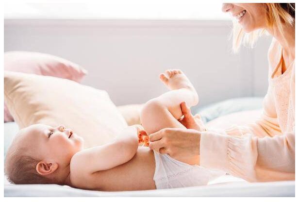 宝宝肚子胀气了,妈咪爱搭配科学护理利于症状缓解
