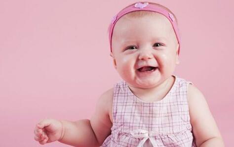 母乳和奶粉喂养,一天大便几次算正常?