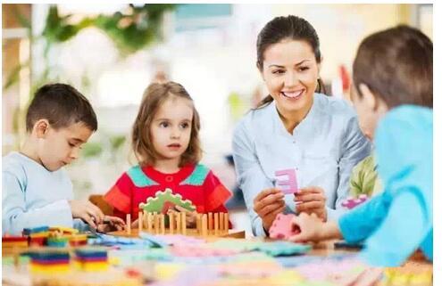 内向孩子如何更快适应幼儿园